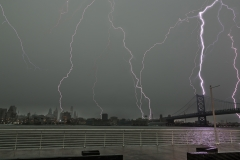 Ben-Franklin-Bridge-struck-by-lightning